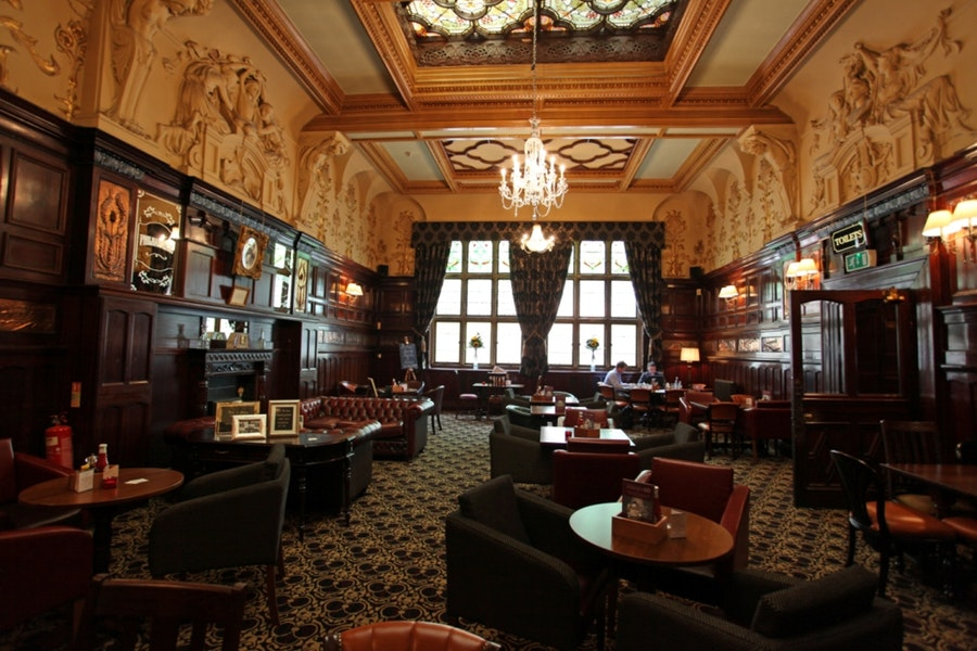 The Philharmonic Dining Rooms in Liverpool Merseyside - Nicholsons Pubs