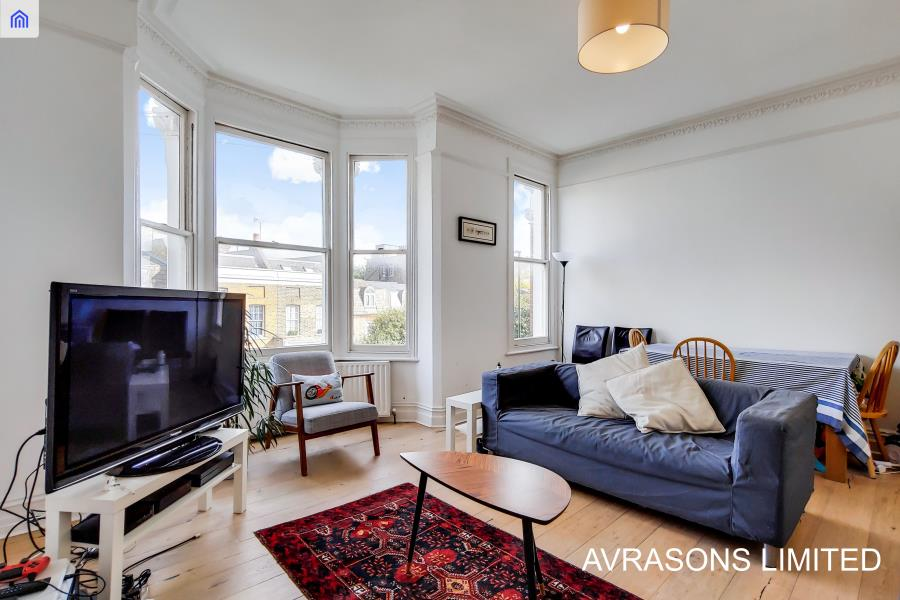 Rectory Grove, London, SW4 - 3 Bedrooms - 634 pw